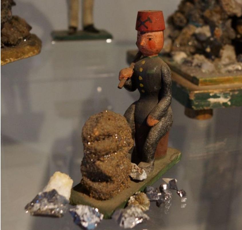 Výstava: Když si havíř nosil práci domů